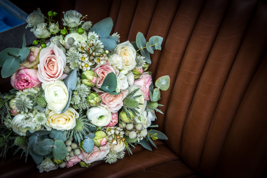 petal-and-stalk-portfolio-wedding-bouquet